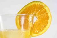 fotografía de un zumo de naranja